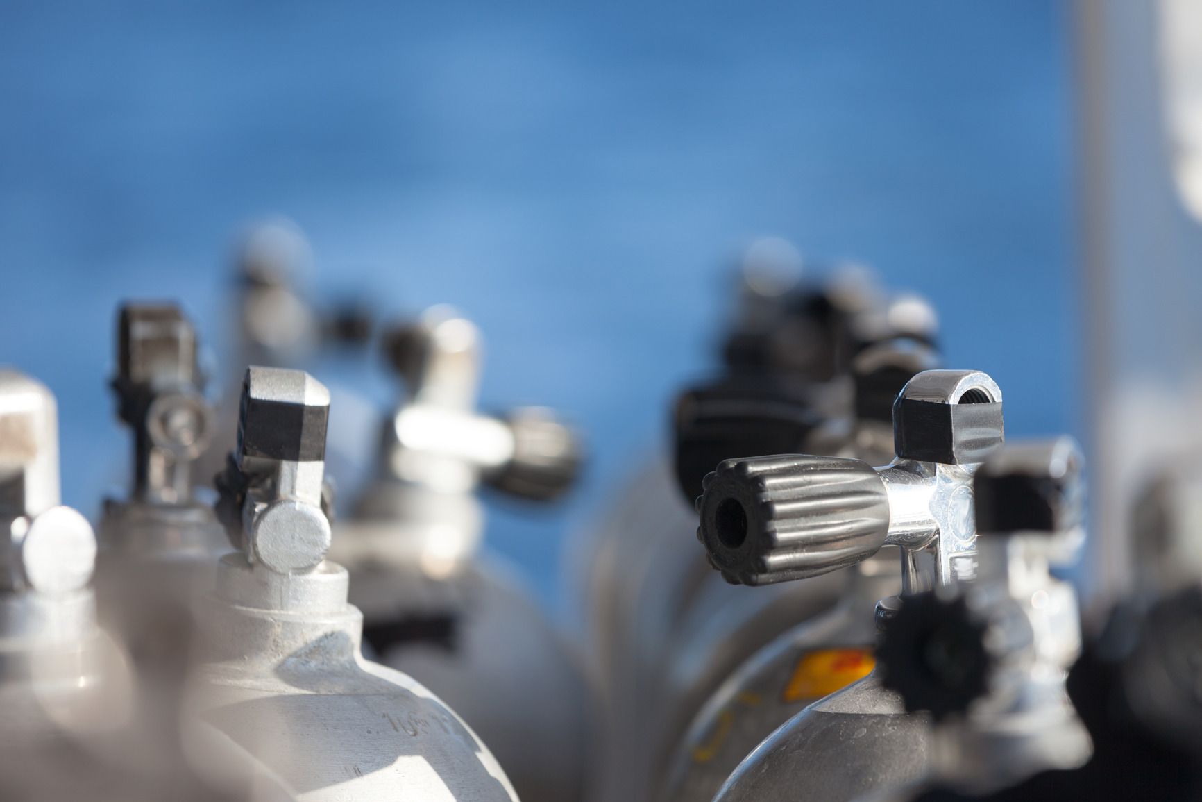 photodune-3856321-macro-shot-of-valves-on-scuba-equipment-m